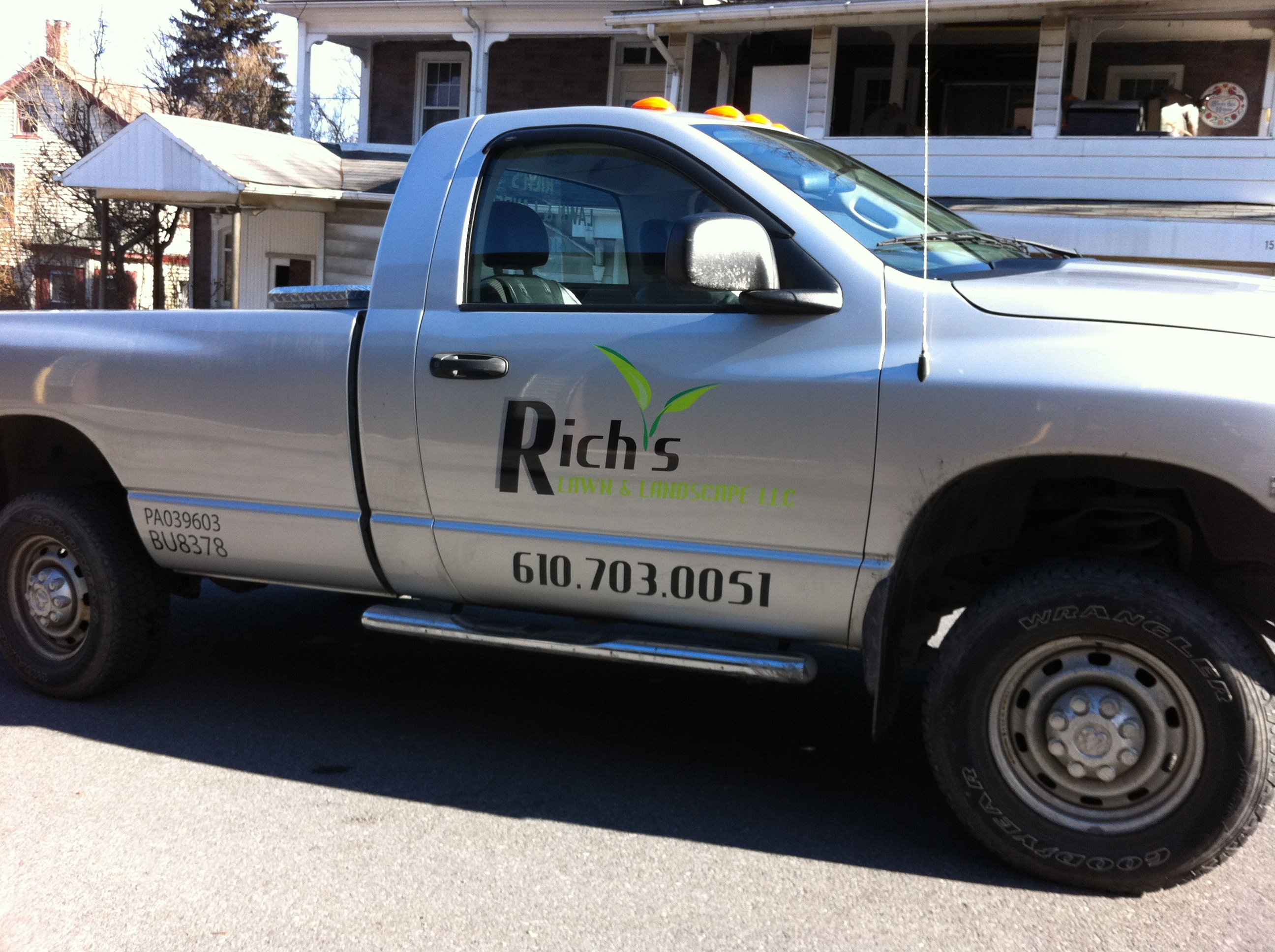 truck door lettering for lawn care in lehigh township
